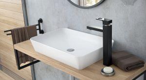 Jak sprawić, aby łazienka nabrała wyjątkowego charakteru? Wystarczy zastosować wyrazisty akcent, który przykuje uwagę i doda elegancji. W tej roli świetnie sprawdzą się baterie umywalkowe w modnych kolorach: czerni, chromie oraz z akcentami zło