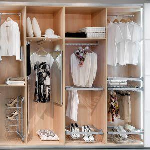 Domowa garderoba. Fot. Black Red White