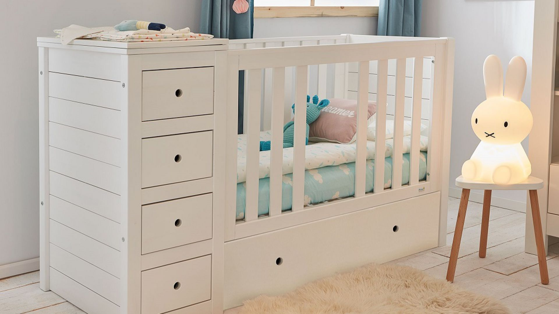 Meble do pokoju dziecka: łóżeczko Paso Doble. Fot. Pinio