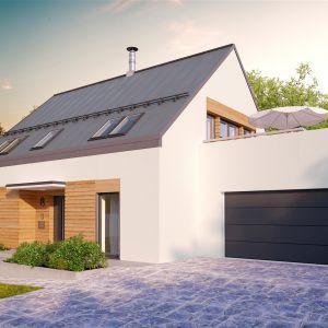 Od frontu budynek jest minimalistyczny i skromny. Dom Sam II G2 Energo Plus. Projekt: arch. Artur Wójciak. Fot. Pracownia Projektowa Archipelag