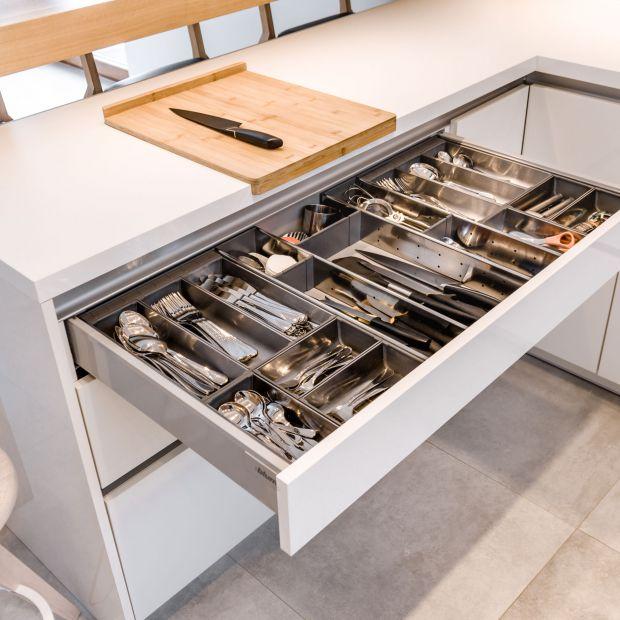 Nowoczesna kuchnia - funkcjonalne szuflady to podstawa