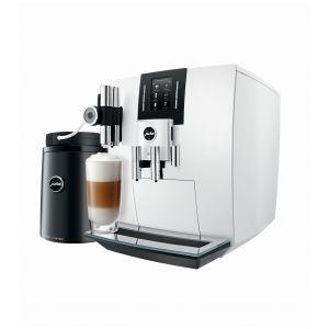Ekspres do kawy J6 dostępny w ofercie firmy Jura. Fot. Jura
