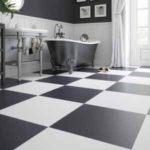 Łazienka w wydaniu black&white. Urokliwy komfort albo chłodna elegancja. Fot. Cerrad