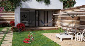 Urządzenie przestrzeni nawokół domu to nie lada wyzwanie. Taras czy ogródpowinien być nie tylko funkcjonalny i bezpieczny, ale też dobrze komponować się z resztą przestrzeni. Od czego więc zacząć?
