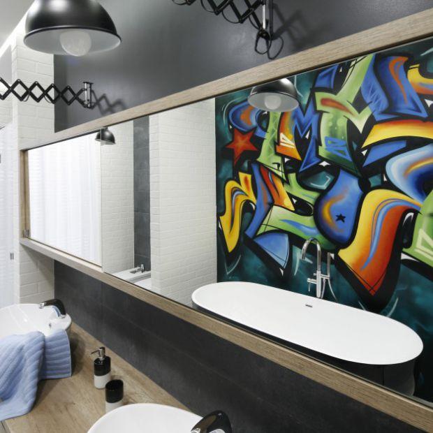 Nieszablonowe pomysły na ścianę w łazience