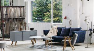 Jasne kolory, duża ilość światła i ekologiczne materiały to trzy wyróżniki, które w najprostszy sposób charakteryzują skandynawski styl aranżacji wnętrz.