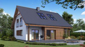 Drewniana elewacja to chętnie wybierane rozwiązanie przy budowie domów, w których liczy się estetyka i jakość wykonania.