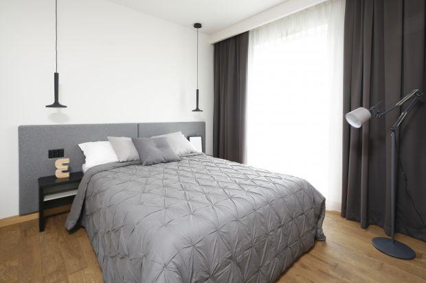 Odpowiednio urządzona sypialnia jest niczym kraina relaksu. To tutaj odpoczywamy po całym dniu pracy i regenerujemy nasze siły.