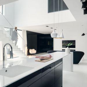 Pomysł na minimalistyczne wnętrze Aleksandra Mierzwa, Wiktor Kurc  MAKA Studio. Fot. Tom Kurek