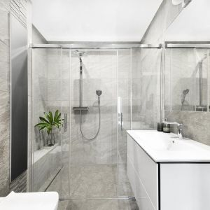 Pomysł na minimalistyczne wnętrze. Projekt: Projekt studioLOKO. Fot. Karolina Chęcińska