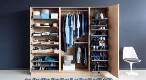 Wpolskich realiach rzadko kto może pozwolić sobie na przeznaczenie całego pomieszczenia i urządzenie w nim garderoby. Co zrobić, żeby nasze szafy, nawet te najmniejsze, pomieściły wszystkie nasze ubrania i buty?
