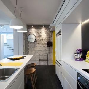 Blat do kuchni w dekorze Biel Krystaliczna U11026. Fot. Pfleiderer