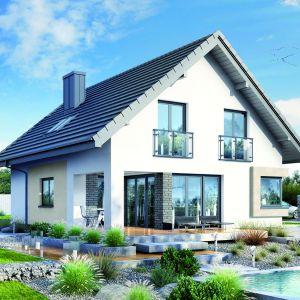 Prosta i zwarta bryła i dwuspadowy dach umożliwią szybką realizację budynku. Dom w Zdrojówkach. Fot. Archon +