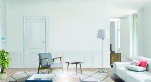 Jeśli wybór koloru przewodniego padł na klasyczną i elegancką biel, pojawiającą się jako motyw wykończeniowy wielu różnych powierzchni, postawmy na produkt, który ozdobi nasze ściany i sufity, a przy okazji nada charakter pozostałym elemento