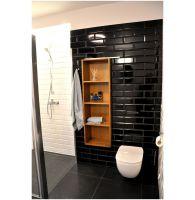 Dom na mazurskiej wsi - łazienka na półpiętrze. Projekt i zdjęcia: Alicja Łotysz-Pogorzelska (Wnętrza i ogrody Amaltea)