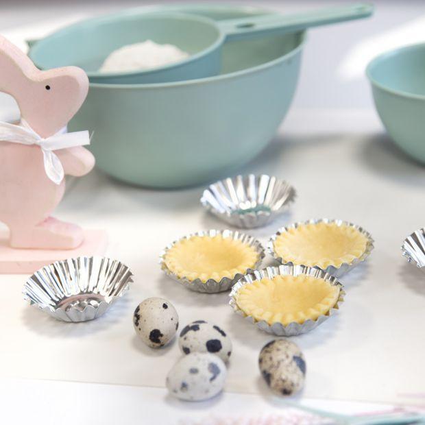 Pastelowa Wielkanoc - kolorowe naczynia i akcesoria