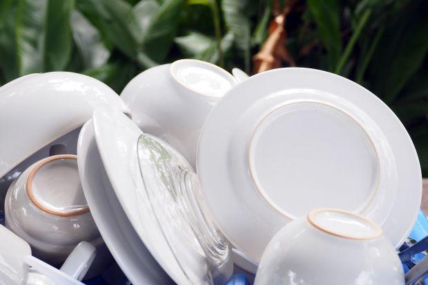 Wraz ze wzrostem świadomości ekologicznej, coraz częściej sięgamy po naturalne środki czystości. Wybór ten wynika nie tylko z troski o środowisko, ale również o nasze zdrowie.