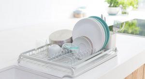 Czy zdarza Ci się, że podczas zmywania naczyń zmywasz z siebie także dobry humor?Na rynku pojawiła się nowa seriaakcesoriów, które sprawią, że zmywanie stanie się przyjemne.