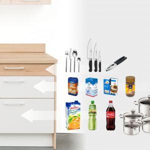 Każda z szuflad ma inną wysokość, ponieważ przechowujemy w nich produkty i akcesoria różnej wysokości. Fot. KAM