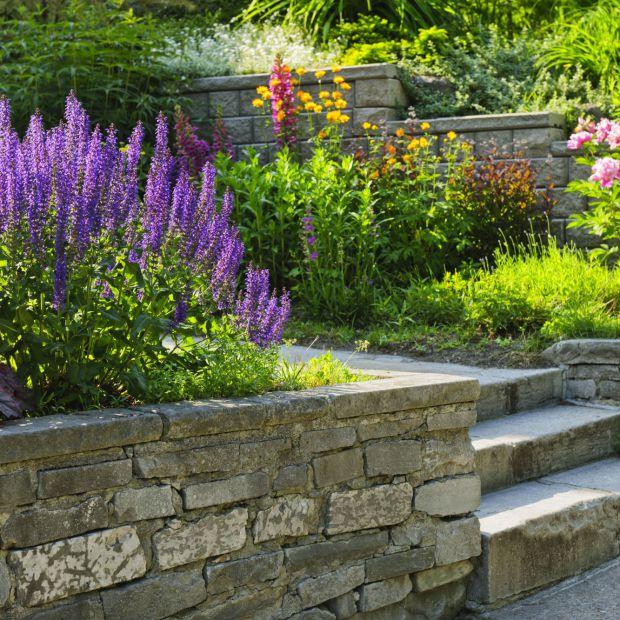 Jak zaprojektować schody ogrodowe?