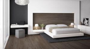 Odporne i trwałe płytki ceramiczne to doskonałe rozwiązanie do sypialni, gdzie często stosujemy ogrzewanie podłogowe. Wspaniale prezentują się na podłogach, jak również w roli dekoracji ściany za łóżkiem.
