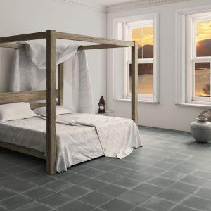 Płytki w sypialni, kolekcja Encaustic Black. Fot. Apavisa