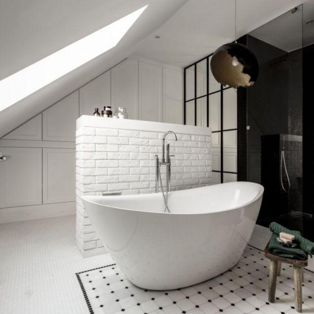 10 pomysłów na łazienkę z wanną wolno stojącą