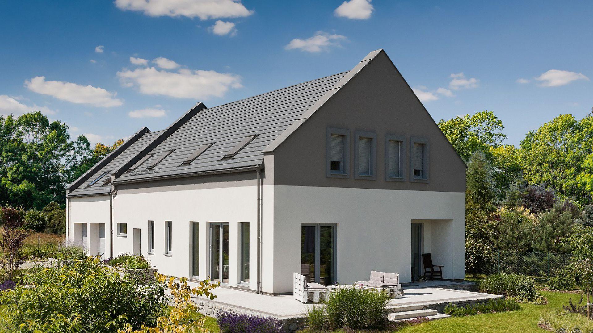 Dachówki w odcieniach szarości to niesłabnący trend na rynku pokryć dachowych. Fot. Braas