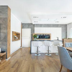 Kuchnia znajduje się w otwartej strefie dziennej. Fot. Studio Kuchenne A&K