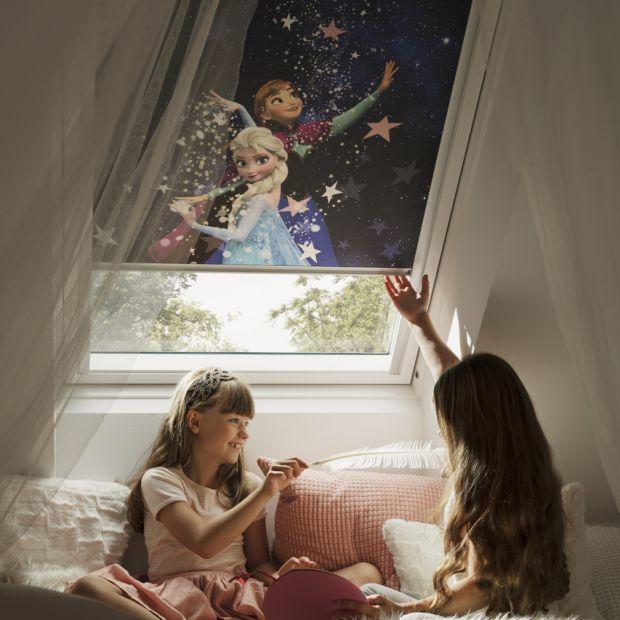 Pokój na poddaszu - piękne rolety z bohaterami Disneya