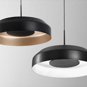 Podstawową paletę kolorystyczną projektanci poszerzyli o wykończenie szare i miedziane. Na zdjęciu oprawa Maxi Ring. Fot. AQForm