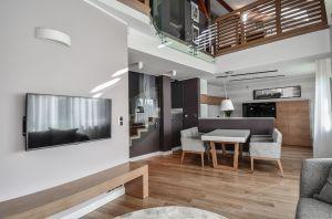 Oryginalny apartament na wielu poziomach - część dzienna. Projekt i zdjęcia: Aleksandra Pałczak-Czajkowska