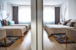 Oryginalny apartament na wielu poziomach - sypialnia na antresoli. Projekt i zdjęcia: Aleksandra Pałczak-Czajkowska