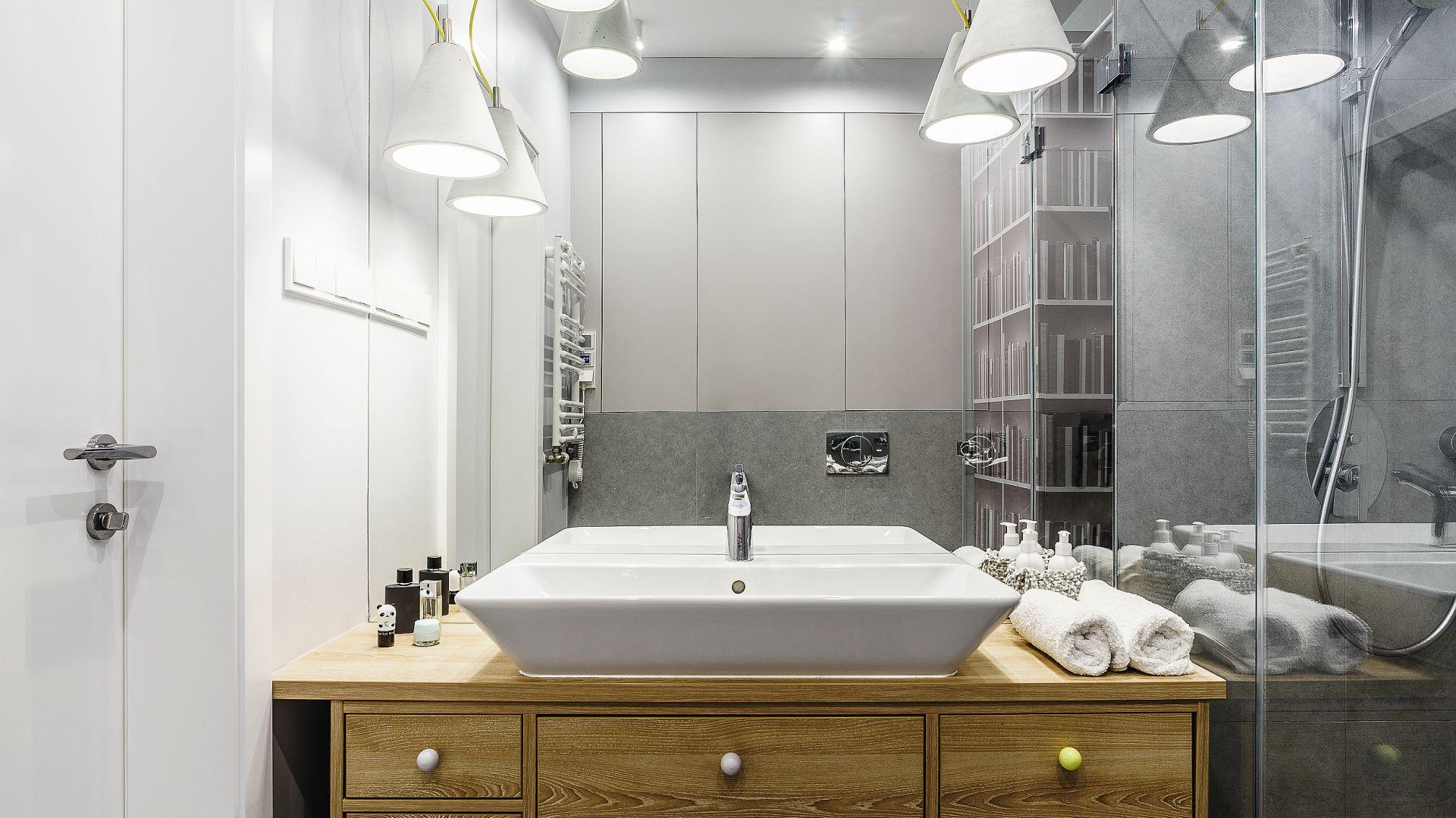 Łazienka przy sypialni. Projekt: Joanna Morkowska-Saj. Fot. Foto&Mohito