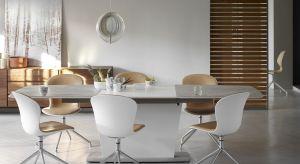Biel niepodzielnie króluje we wnętrzach, niezależnie od stylistyki, w której zostały utrzymane oraz pełnionej przez nie funkcji.