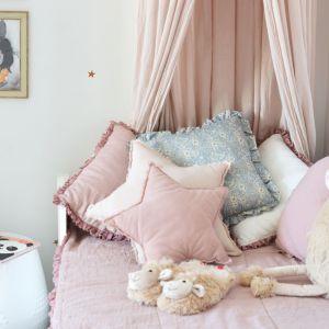 Biały pokój dla dziewczynki. Fot. www.majuszka.pl