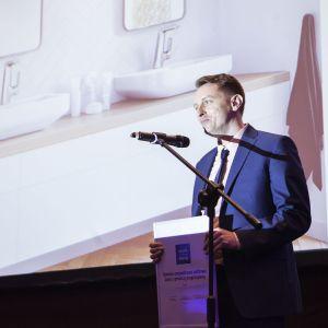Wyróżnienie w kategorii Baterie Łazienkowe dla baterii Lusa z głowicą progresywną marki Bruma odebrał przedstawiciel marki, Maciej Woźniak. Fot. Marek Misiurewicz