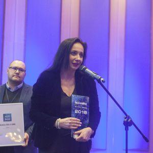 W kategorii Kabiny prysznicowe nagrodę główną zdobyła kabina Kuadra H marki Novellini. Statuetkę odebrała przedstawicielka marki, Agnieszka Rygulska-Kmieć. Fot. Marek Misiurewicz