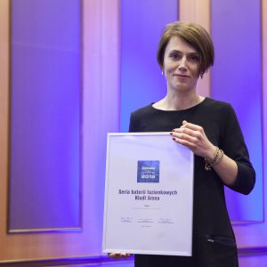 Wyróżnienie w kategorii Baterie Łazienkowe dla serii baterii Kludi Ameo odebrała przedstawicielka marki Kludi, Anna Szołtysek. Fot. Marek Misiurewicz