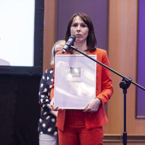 Wyróżnienie w kategorii Meble łazienkowe dla kolekcji Inge marki Elita odebrała Joanna Rac-Kliszewska. Fot. Marek Misiurewicz