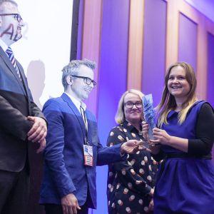 W kategorii Łazienka publiczna nagrodę główną dla umywalki nablatowej Algui nr 120112 marki Delabie odebrała Katarzyna Dziedziulo. Fot. Marek Misiurewicz