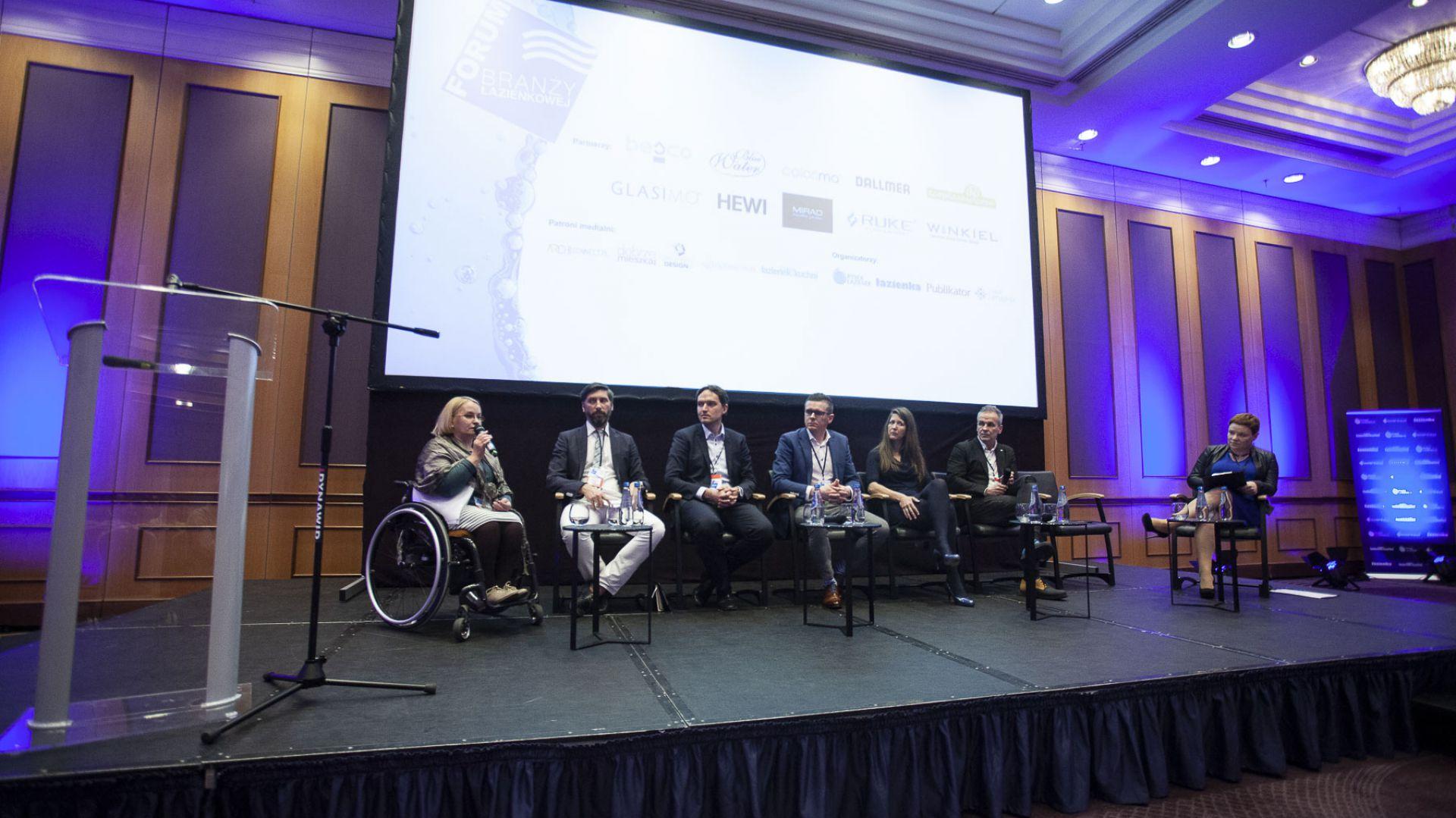 V Forum Branży Łazienkowej - panele dyskusyjny Łazienka 50+ - jak przygotować rynek na demograficzną rewolucję? Fot. Marek Misiurewicz