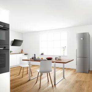 Piekarnik Serie|6 firmy Bosch wyposażony wfunkcję pary itermoobieg 3D. Wjego czyszczeniu pomaga ceramiczna powłoka EcoClean Direct Plus. Trzy kolory: stal nierdzewna, Vulcan Black iPolar White. Fot. Bosch