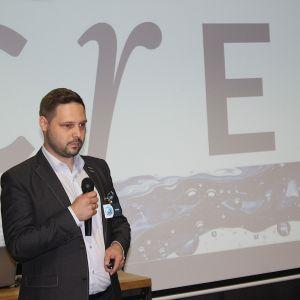 Piotr Wychowaniec, reprezentujący markę Cersanit