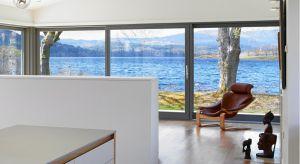 Odpowiednio dobrane okna zapewnią w domu optymalną temperaturę, ciszę i bezpieczeństwo. Znajomość kilku podstawowych parametrów, określających właściwości stolarki okiennej, pomoże nam w dokonaniu właściwego zakupu.