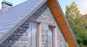 Podsufitka to element zabezpieczający konstrukcję dachu, ale również ozdoba, która podkreśla wygląd domu i nadaje mu oryginalnego stylu.