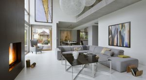 Dom miał oferować mieszkańcom komfortową i przyjazną przestrzeń do życia. Postawiono na stonowaną kolorystykę, jasne i ciepłe barwy oraz naturalne materiały.