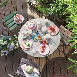 Wiosenne śniadanie w ogrodzie. Fot. Villeroy&Boch.
