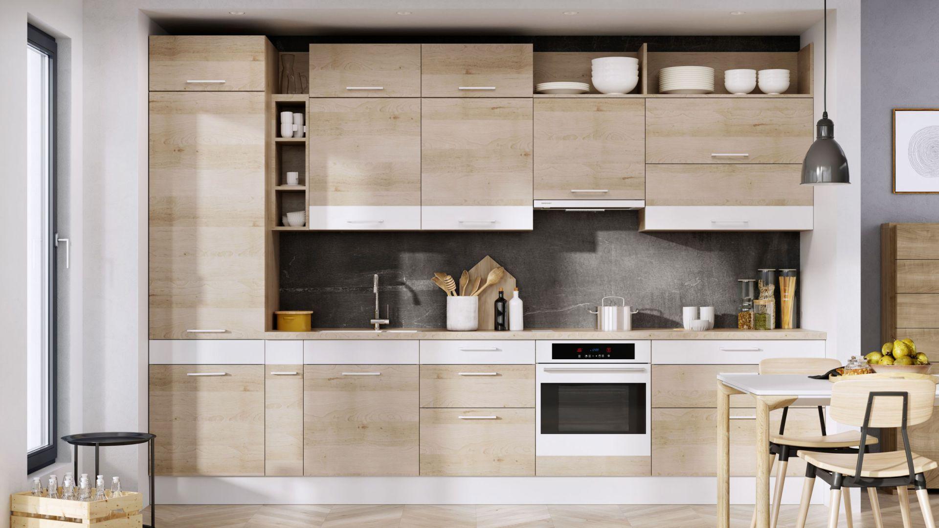 Nowy trend: asymetria dynamizuje zabudowę kuchenną. Fot. KAM