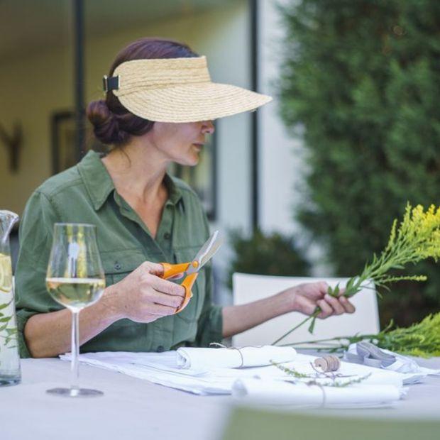 Rośliny w ogrodzie i na balkonie - te narzędzia ułatwią prace